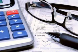 Inhalt des Artikels sind die Vor- und Nachteile von risikoreichen Anlagen.
